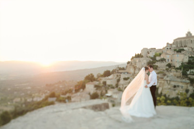 Brautpaar bei After-Wedding-Fotoshooting aufgenommen in der Provence Frankreich von Berliner Hochzeitsfotograf © Hochzeitsfotograf Berlin hochzeitslicht