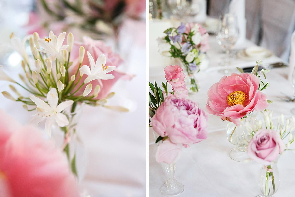 Hochzeitsfotos Von Edler Tischdekoration Aus Wicken Pfingstrosen