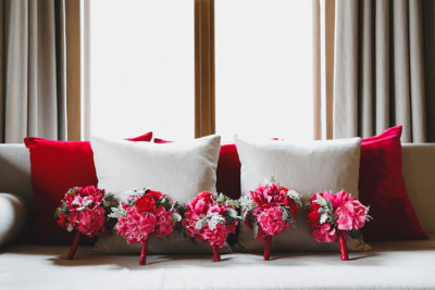 Hochzeitsfoto von Sträußen der Brautjungfern von Marsano Blumen Berlin im Hotel de Rome, Berlin-Mitte © Hochzeit Berlin www.hochzeitslicht.de Hochzeitsfotograf-Berlin