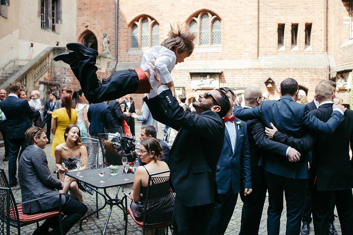 Authentisches Hochzeitsfoto und Hochzeitsvideo von Resort Schwielowsee Hochzeit bei Potsdam © Hochzeitsfotograf Berlin www.hochzeitslicht.de