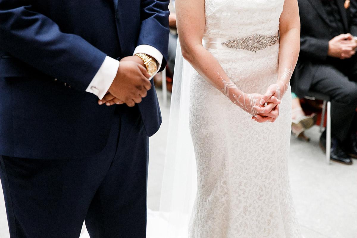 Hochzeitsreportage-Foto von Trauungszeremonie im Hotel de Rome Berlin - Hotel de Rome Berlin Hochzeitsfotograf © www.hochzeitslicht.de
