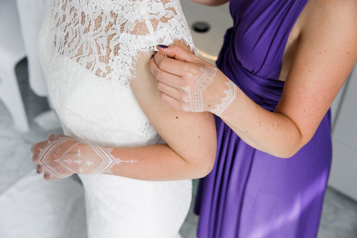 Hochzeitsfotografie vom Getting Ready der Braut bei Hotel de Rome Berlin Hochzeit - Hotel de Rome Berlin Hochzeitsfotograf © www.hochzeitslicht.de