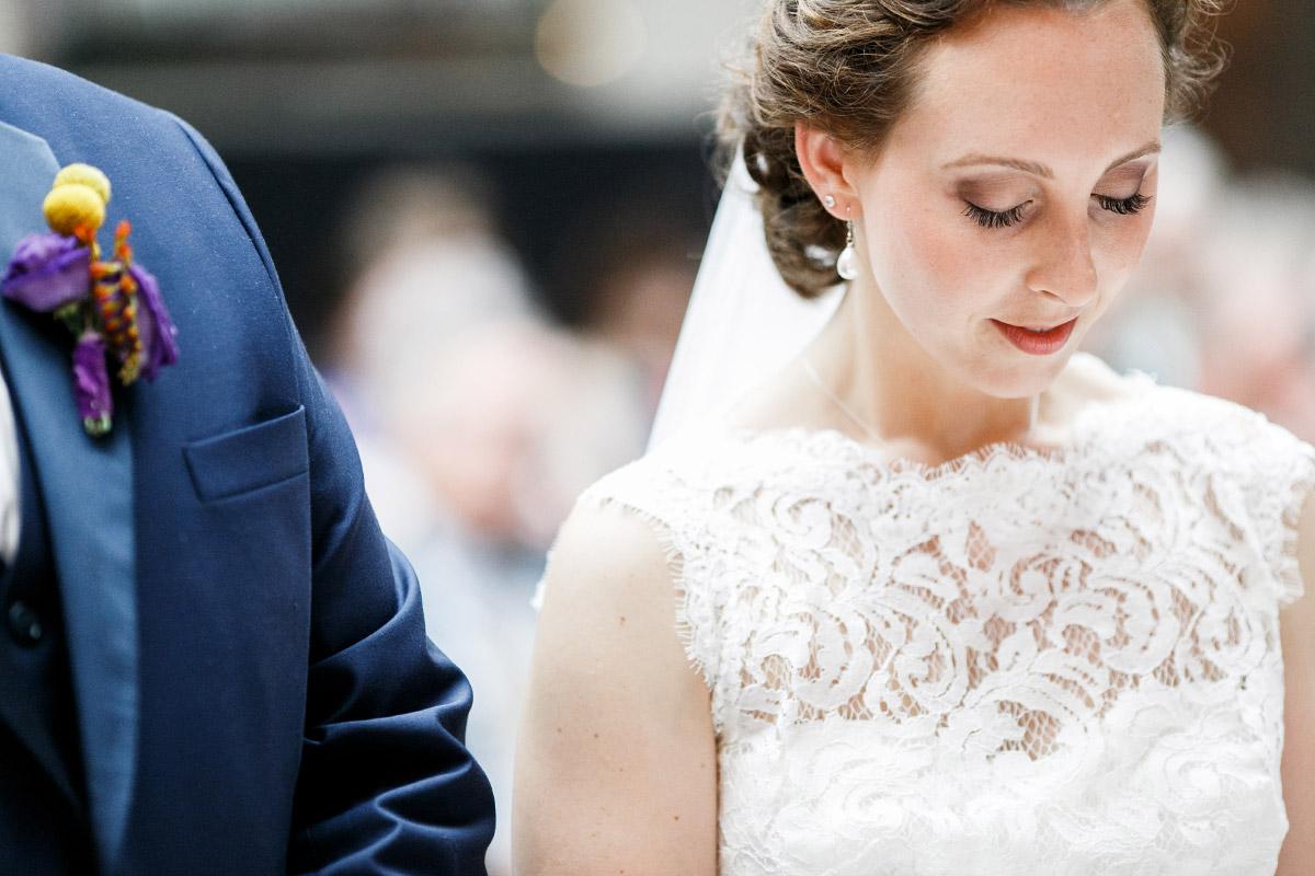 ungestelltes Hochzeitsfoto bei Trauung - Hotel de Rome Berlin Hochzeitsfotograf © www.hochzeitslicht.de