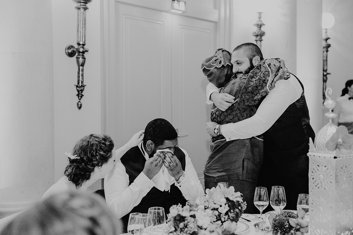 emotionales Hochzeitsreportagefoto - Hotel de Rome Berlin Hochzeitsfotograf © www.hochzeitslicht.de