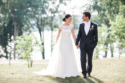 Brautpaarfoto aufgenommen von Hochzeitsfotograf bei Hochzeit im Seehaus Schloss Liebenberg © Hochzeitsfotograf Berlin www.hochzeitslicht.de
