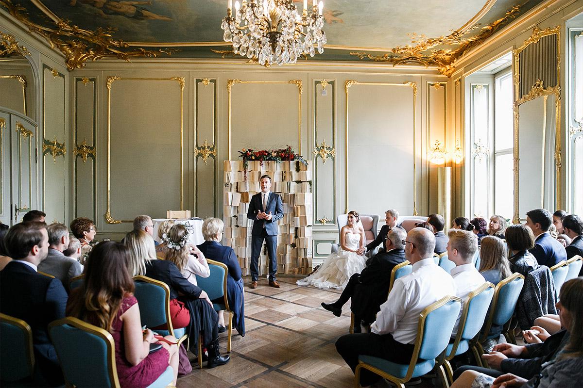 Hochzeitsfoto von freier Trauung bei Hochzeit im Ermelerhaus in Berlin-Mitte © Hochzeit Berlin www.hochzeitslicht.de