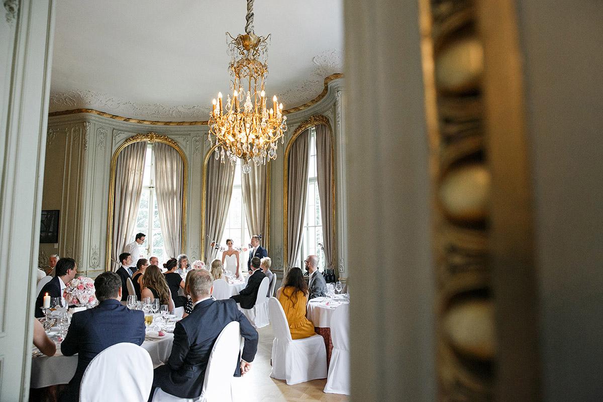 Hochzeitsfoto von Hochzeitsfeier im Patrick Hellmann Schlosshotel Grunewald © Hochzeit Berlin www.hochzeitslicht.de