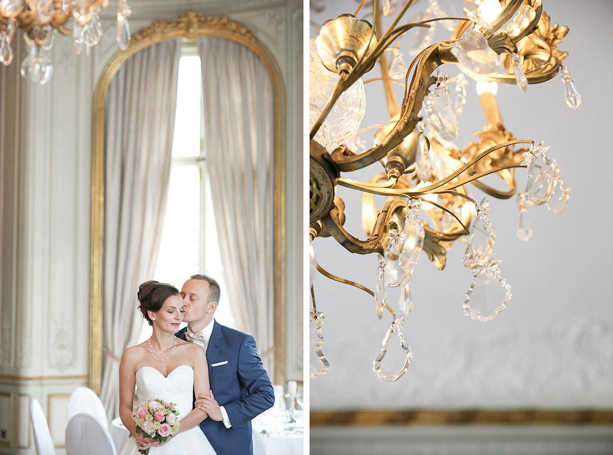 Brautpaarfoto bei eleganter Berlinhochzeit im Schlosshotel Grunewald © Hochzeit Berlin www.hochzeitslicht.de