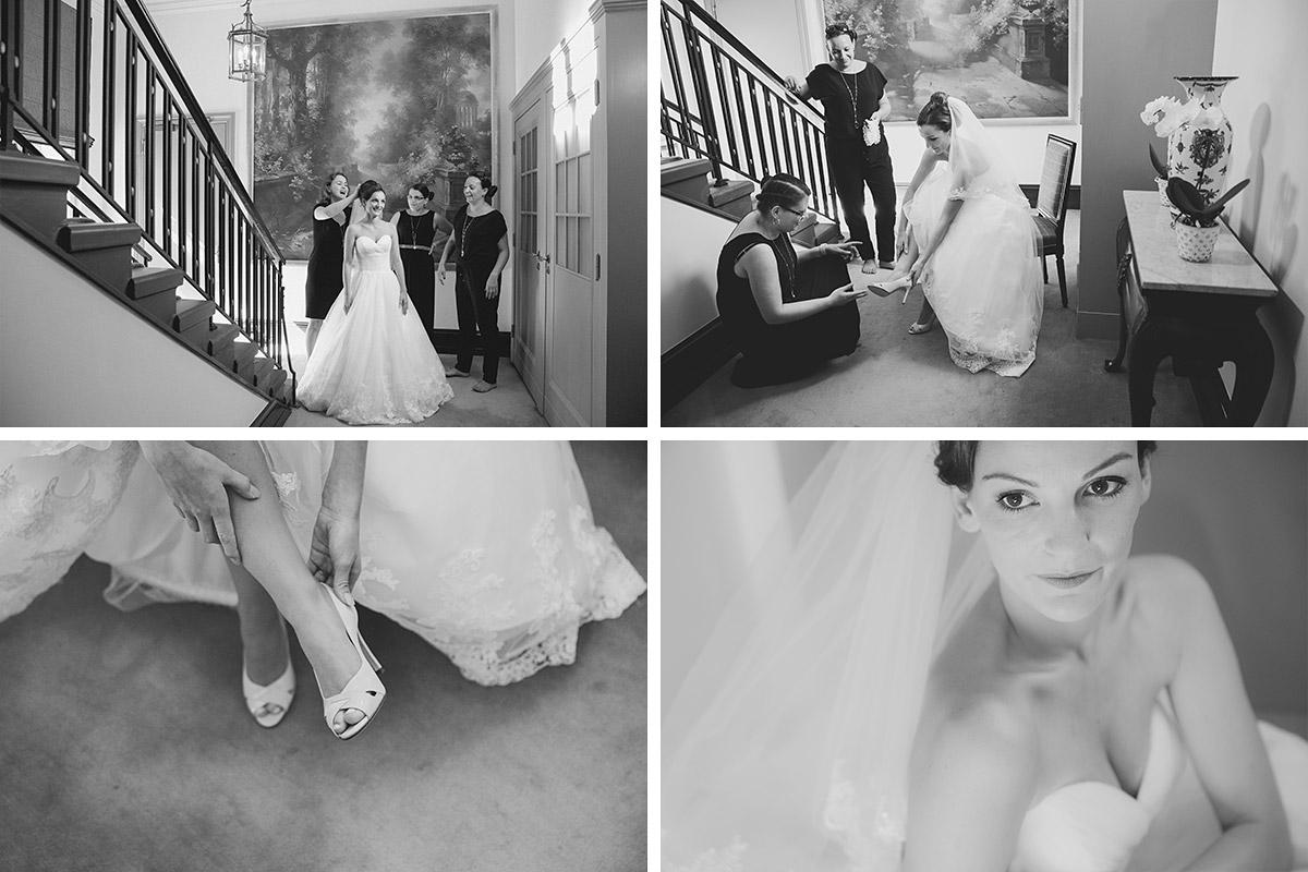 Hochzeitsreportagefotos vom Ankleiden der Braut im Schlosshotel Grunewald Berlin © Hochzeit Berlin www.hochzeitslicht.de