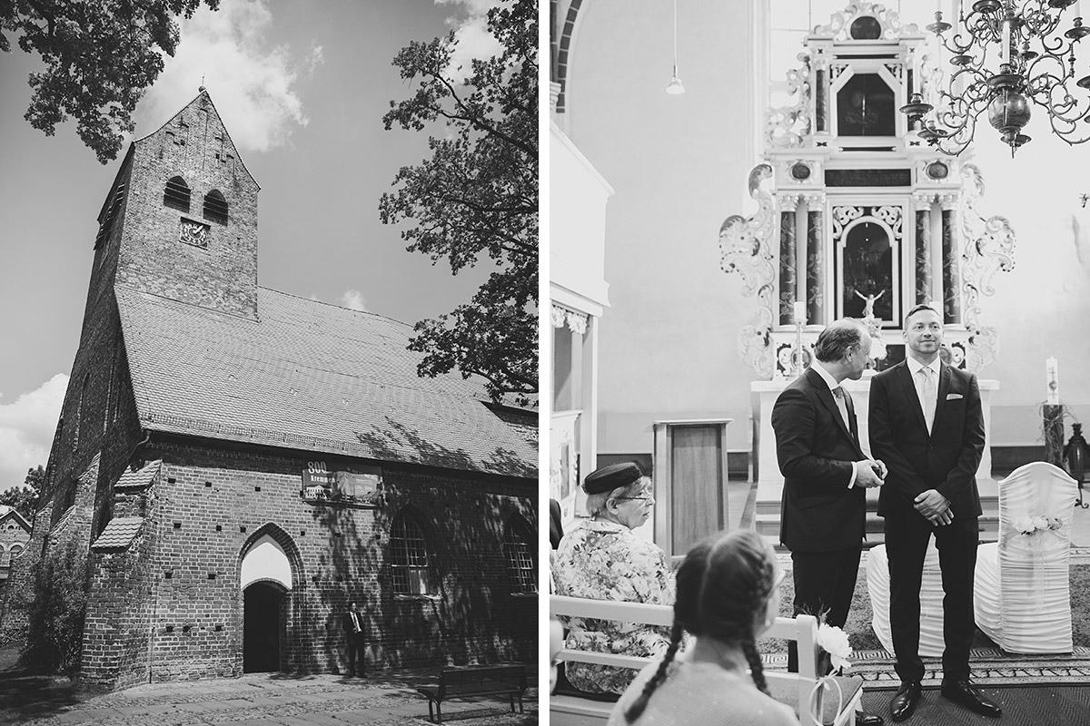 Hochzeitsfotografie von wartendem Bräutigam in St. Nikolai-Kirche in Kremmen - Seelodge Kremmen Hochzeitsfotograf © www.hochzeitslicht.de