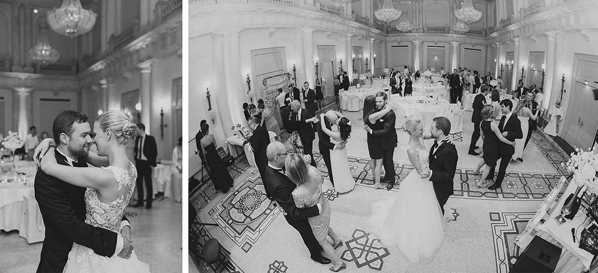 Hochzeitsfotos vom Tanz bei Hochzeitsfeier im Hotel de Rome Berlin - Hotel de Rome Berlin Hochzeitsfotograf © www.hochzeitslicht.de