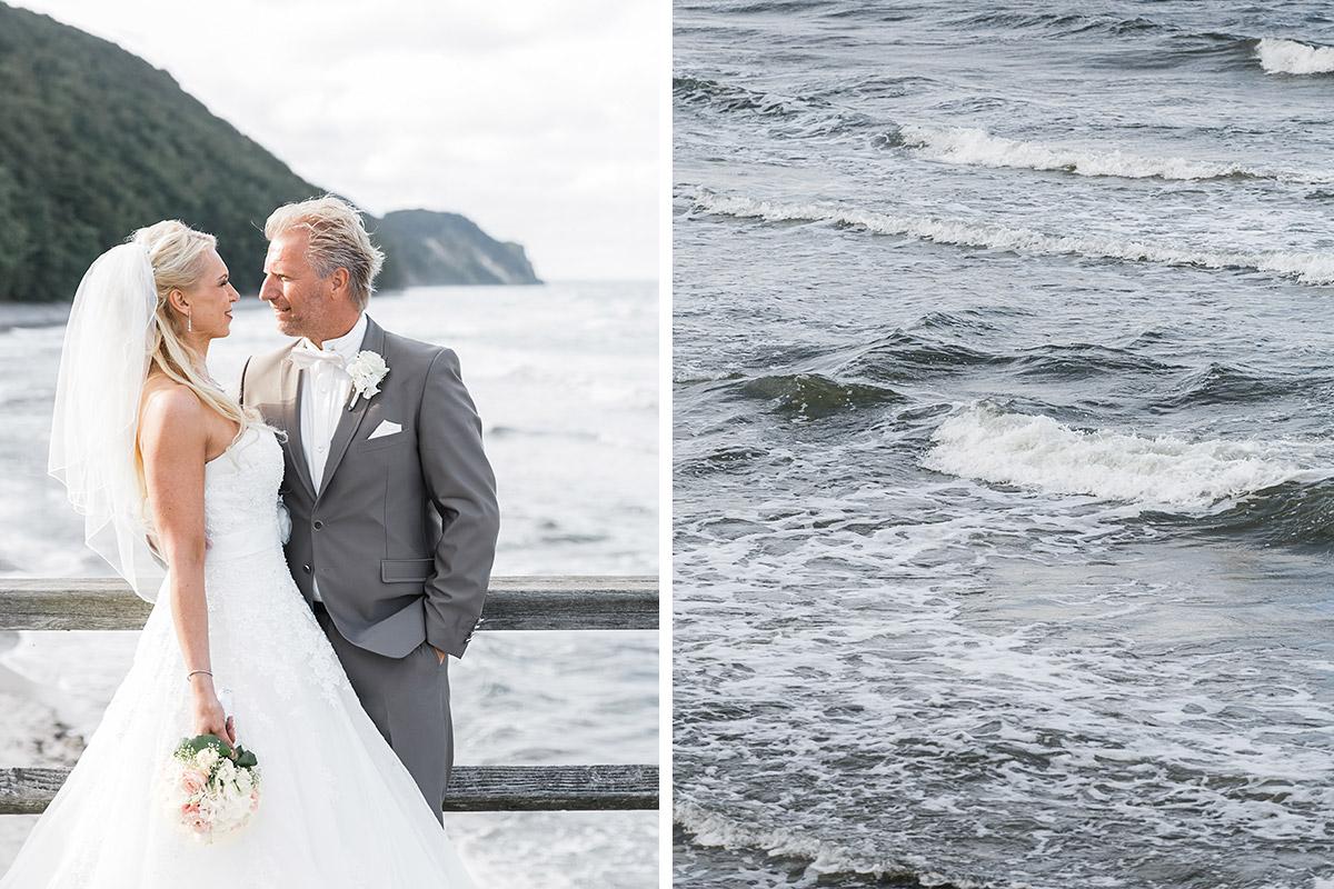 Brautpaarfoto an Ostsee - Ostsee Hochzeitsfotograf © www.hochzeitslicht.de
