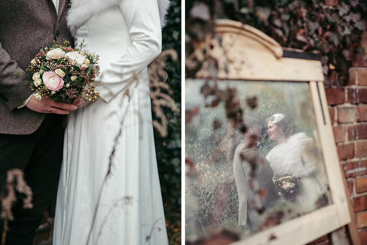 moderne Hochzeitsfotos von Brautpaar bei Winterhochzeit in Alter Schmiede Zepernick bei Berlin - Winterhochzeit Berlin-Pankow Hochzeitsfotograf © www.hochzeitslicht.de