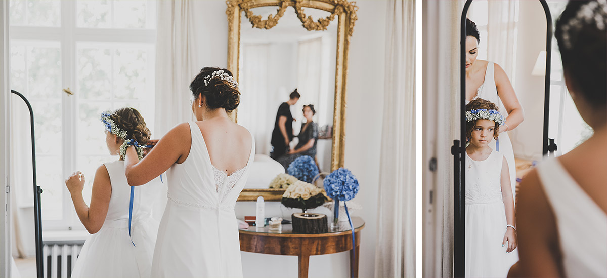 Hochzeitsfotografien von Braut beim Styling der Blumenmädchen bei Schloss Neuhardenberg Hochzeit - Schloss Neuhardenberg Hochzeitsfotograf © www.hochzeitslicht.de