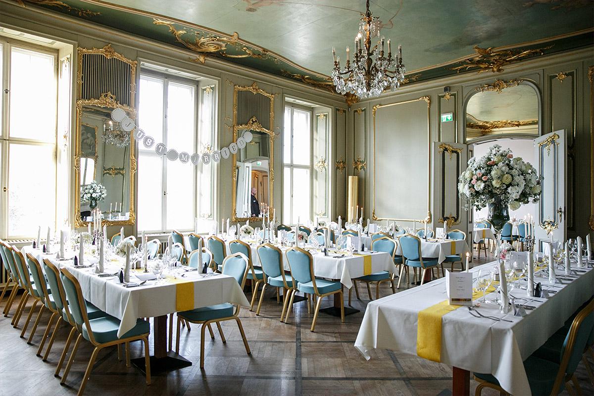 Geschmückter Festsaal bei Ermelerhaus-Hochzeit in Berlin-Mitte - Ermelerhaus Berlin Hochzeitsfotograf © www.hochzeitslicht.de