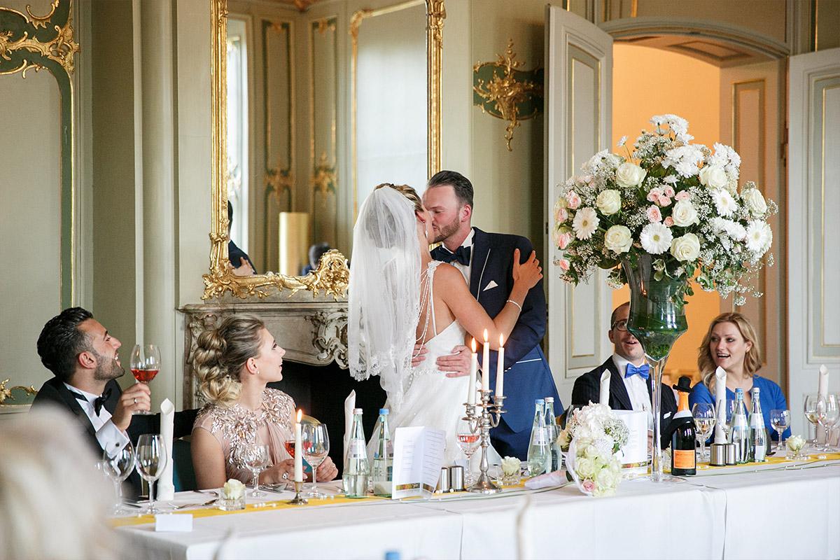 Hochzeitsfoto bei Hochzeitsfeier im Ermelerhaus aufgenommen von professionellem Hochzeitsfotograf in Berlin-Mitte - Ermelerhaus Berlin Hochzeitsfotograf © www.hochzeitslicht.de