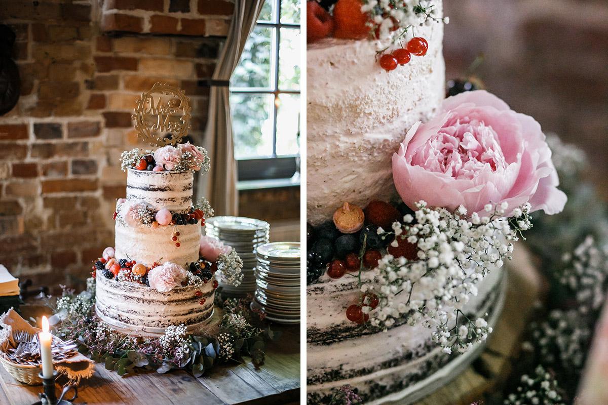 Hochzeitstorte Naked Cake Mit Blumen Bei Boho Hochzeit In Berlin