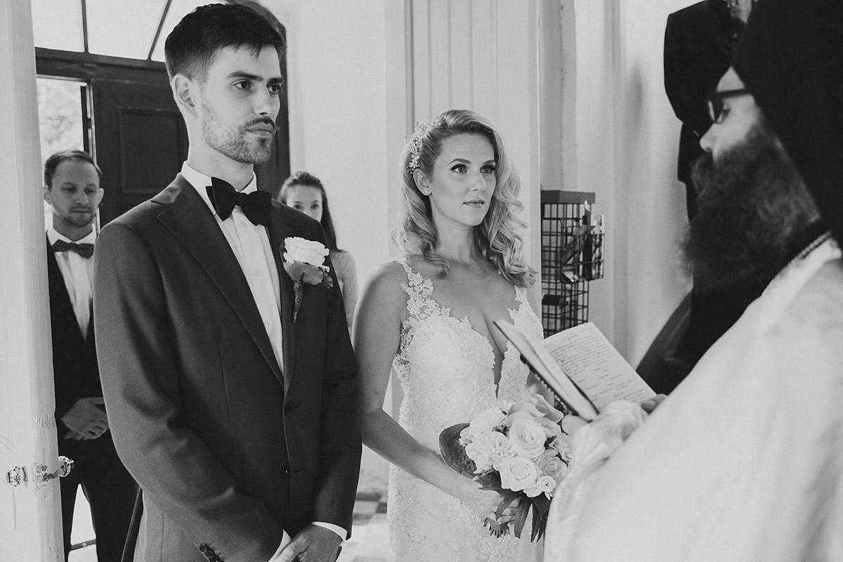 Hochzeitsfoto von griechisch-orthodoxer Trauung - Schloss Ziethen Kremmen Hochzeitsfotograf © www.hochzeitslicht.de