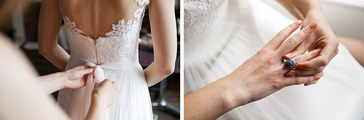 Hochzeitsfotos vom Ankleiden der Braut in rückenfreiem Spitzenkleid - Seelodge Kremmen Hochzeitsfotograf © www.hochzeitslicht.de