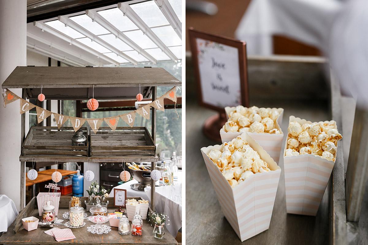 Candybar im Vintagestil mit Popcorn bei Herbsthochzeit - Seelodge Kremmen Hochzeitsfotograf © www.hochzeitslicht.de