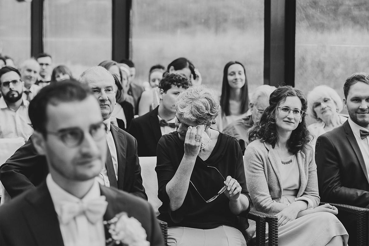 Freudentränen bei Trauung - Seelodge Kremmen Hochzeitsfotograf © www.hochzeitslicht.de