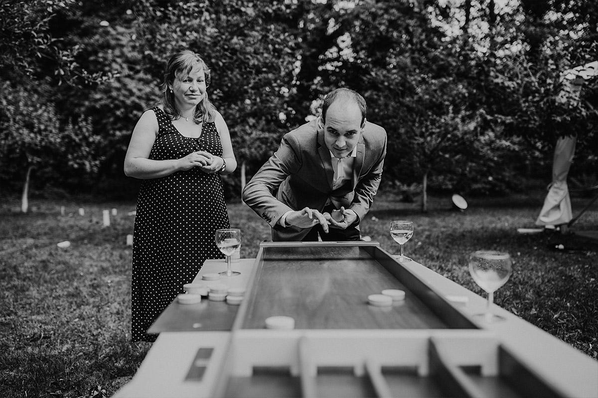 Idee Spiel für Gäste - DIY Gartenhochzeit Spreewald Hochzeitsfotograf © www.hochzeitslicht.de