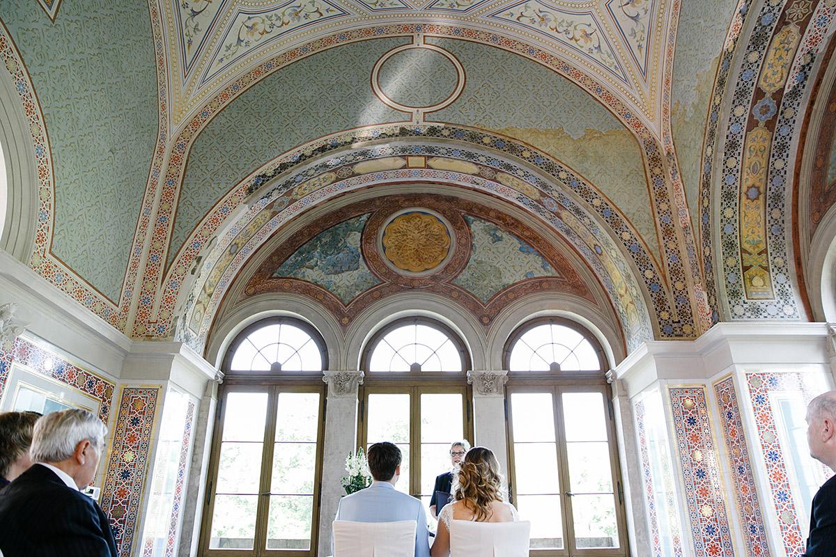 Hochzeitsreportagefoto bei standesamtlicher trauung im Belvedere auf dem Pfingstberg - Berlin Hochzeitsfotograf © www.hochzeitslicht.de