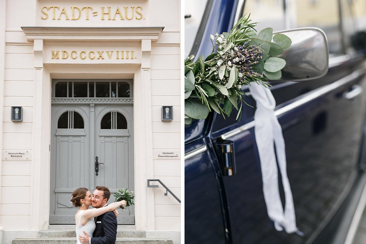 Hochzeitsfotos von Brautpaar und Hochzeitsauto Käfer-Cabrio nach Trauung im Standesamt Strausberg - Landhaus Garzau Märkische Schweiz Hochzeitsfotograf © www.hochzeitslicht.de
