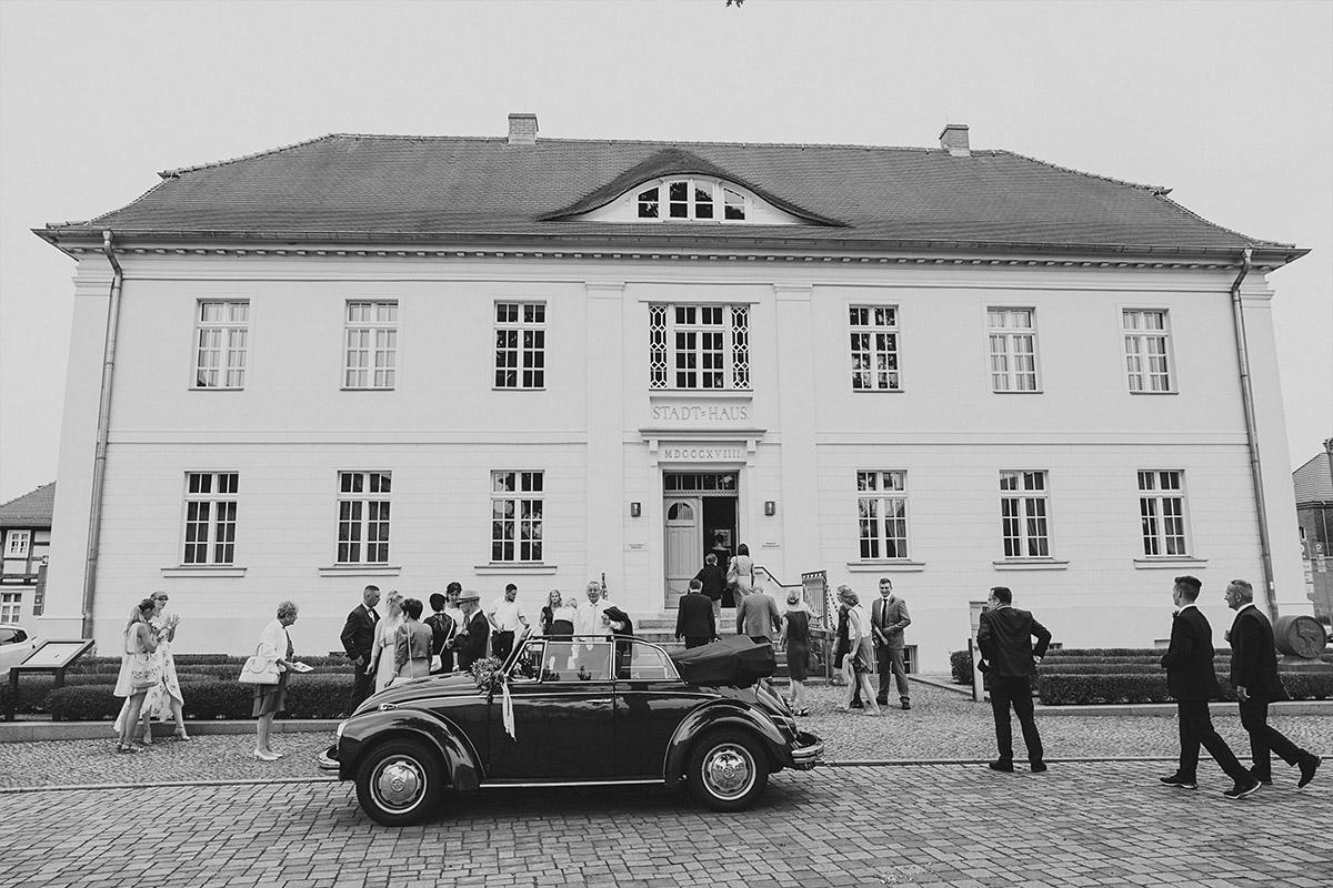 Hochzeit in Standesamt Strausberg - Landhaus Garzau Märkische Schweiz Hochzeitsfotograf © www.hochzeitslicht.de