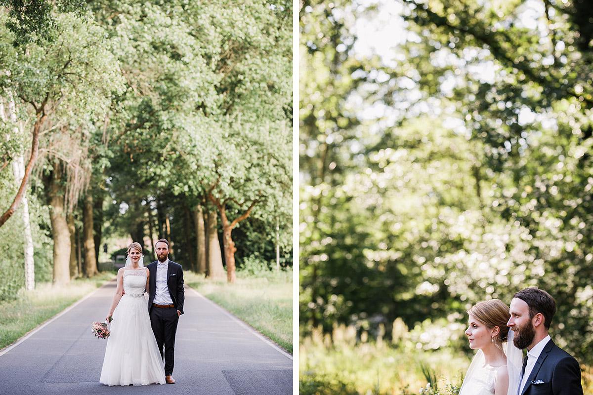 kreative Hochzeitsfotos von Brautpaar - DIY Gartenhochzeit Spreewald Hochzeitsfotograf © www.hochzeitslicht.de