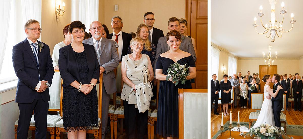 Hochzeitsreportagefotos beim Ja-Wort Trauung Standesamt Strausberg - Landhaus Garzau Märkische Schweiz Hochzeitsfotograf © www.hochzeitslicht.de