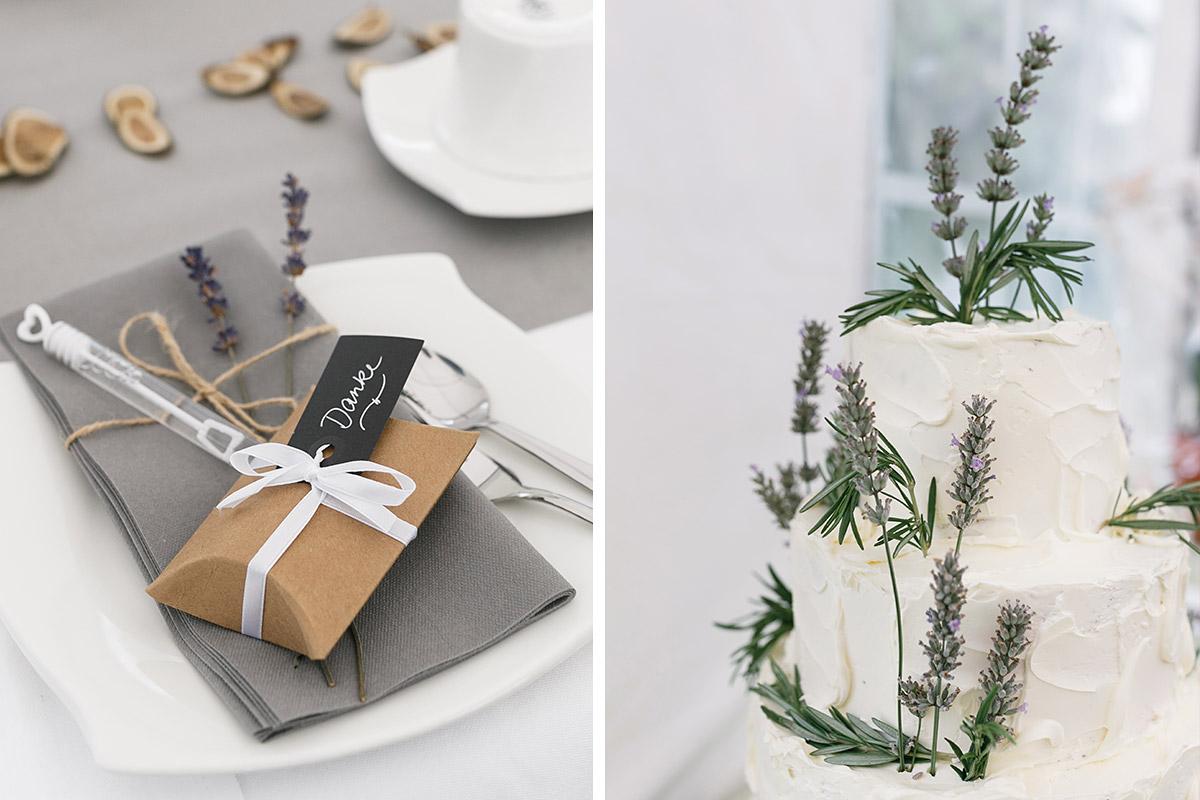 Hochzeitsfotos Von Tischdekoration Und Hochzeitstorte Mit Lavendel