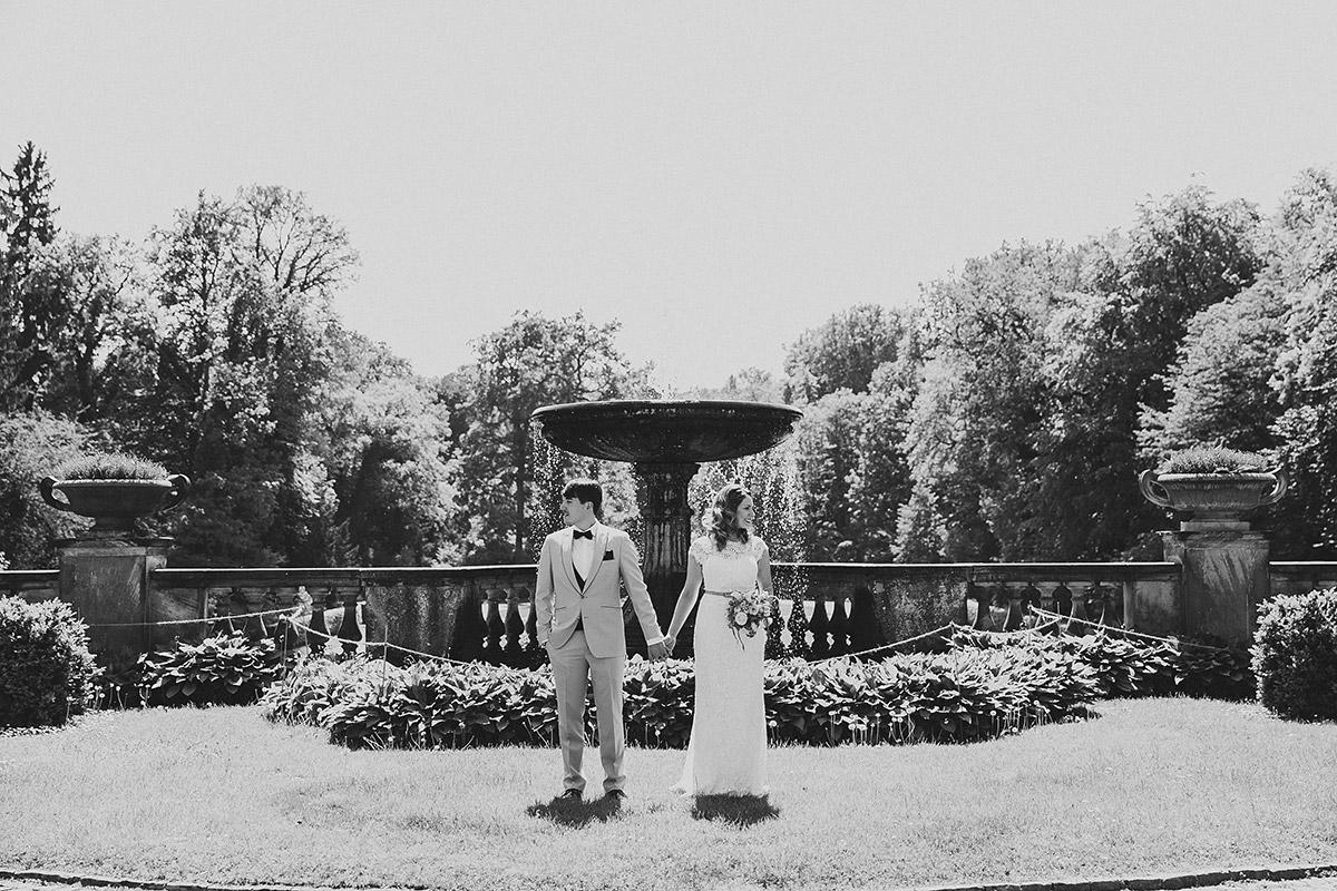 modernes Brautpaarfoto - Berlin Hochzeitsfotograf © www.hochzeitslicht.de