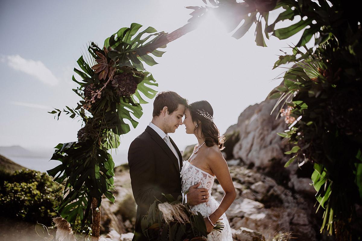 intimes Hochzeitsfoto bei Abendsonne - Mallorca Hochzeitsfotograf © www.hochzeitslicht.de