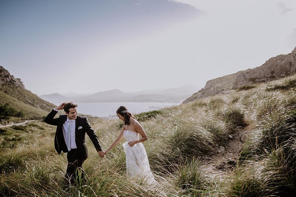 Brautpaar am Cap de Formentor - Mallorca Hochzeitsfotograf © www.hochzeitslicht.de