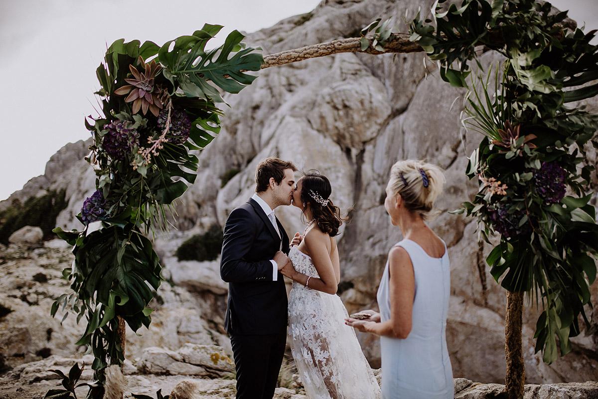 Ja-Wort bei Boho Elopement Wedding - Mallorca Hochzeitsfotograf © www.hochzeitslicht.de