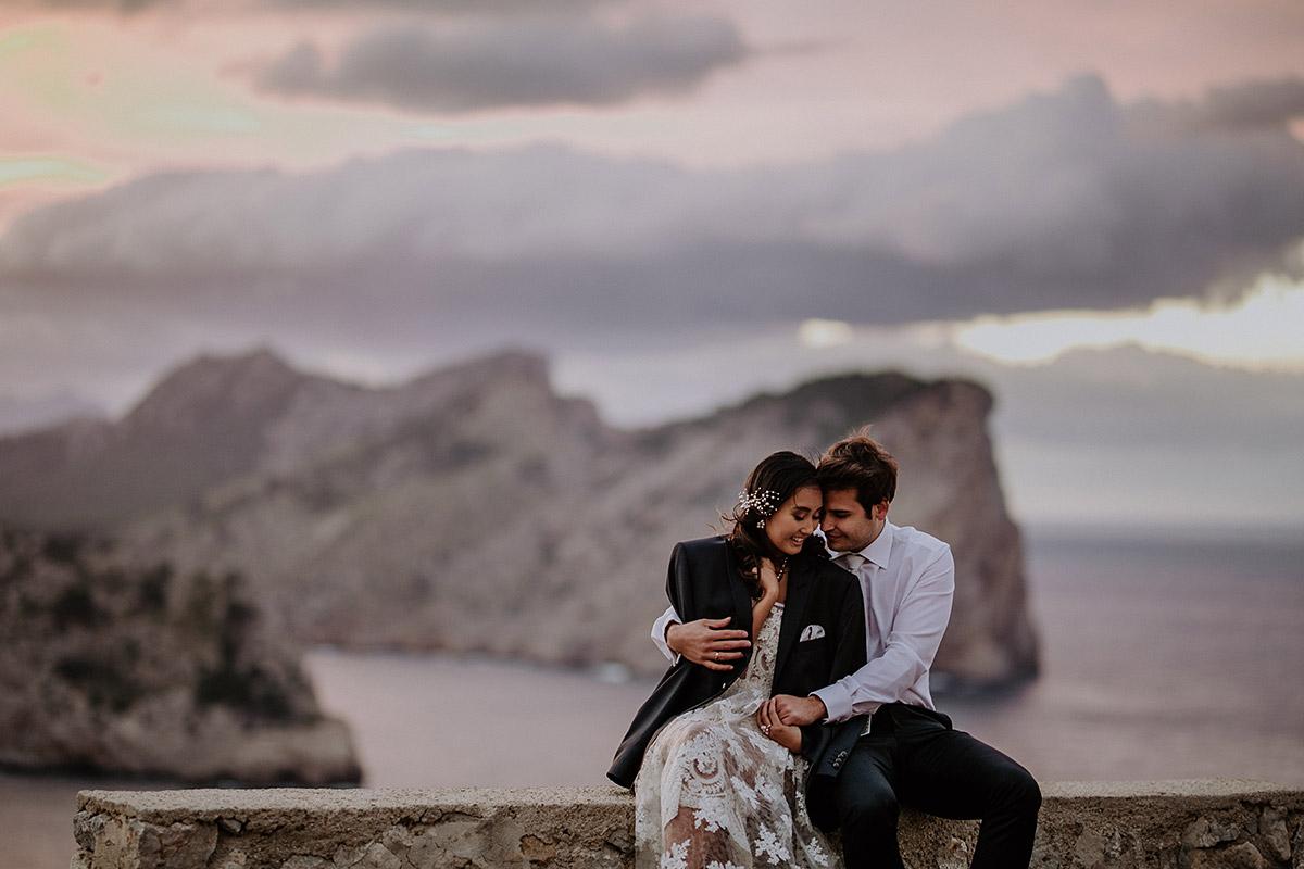 Elopementshooting zum Sonnenuntergang - Mallorca Hochzeitsfotograf © www.hochzeitslicht.de