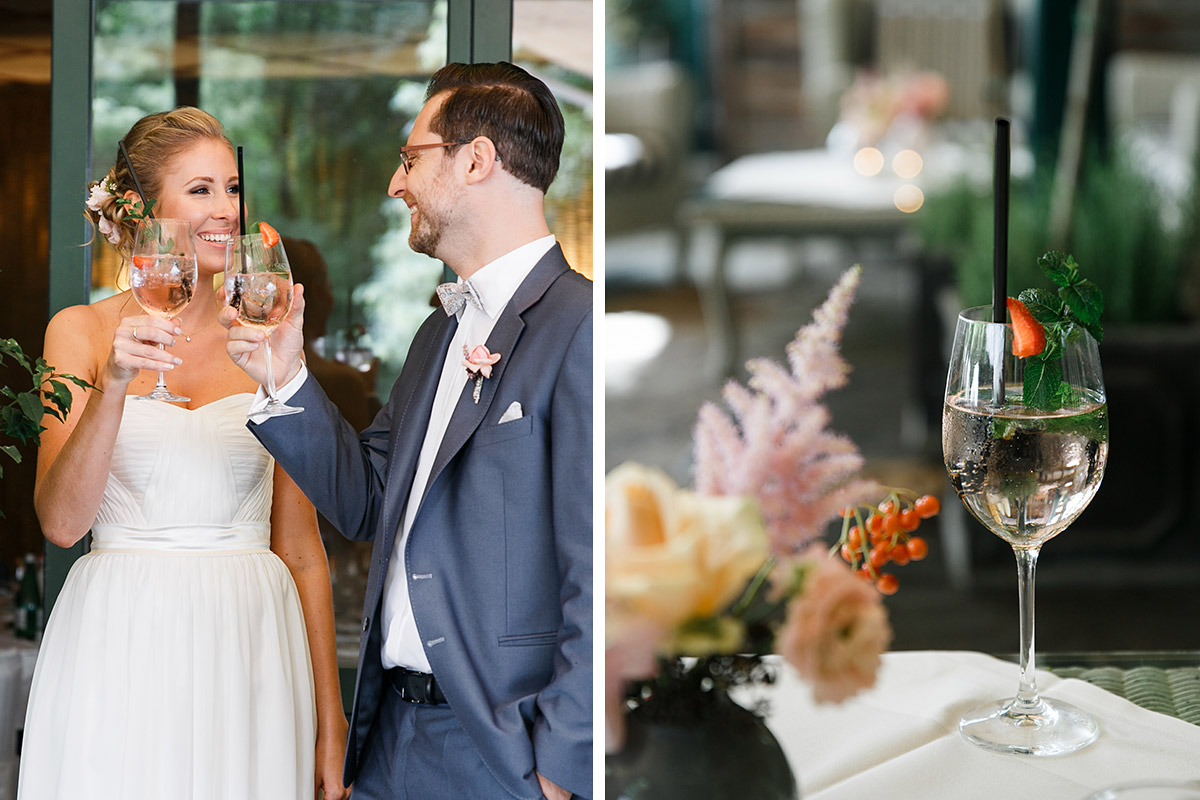 Brautpaar bei Sektempfang bei elegant-natürlicher Berlinhochzeit - Berlin Hochzeitsfotograf © www.hochzeitslicht.de