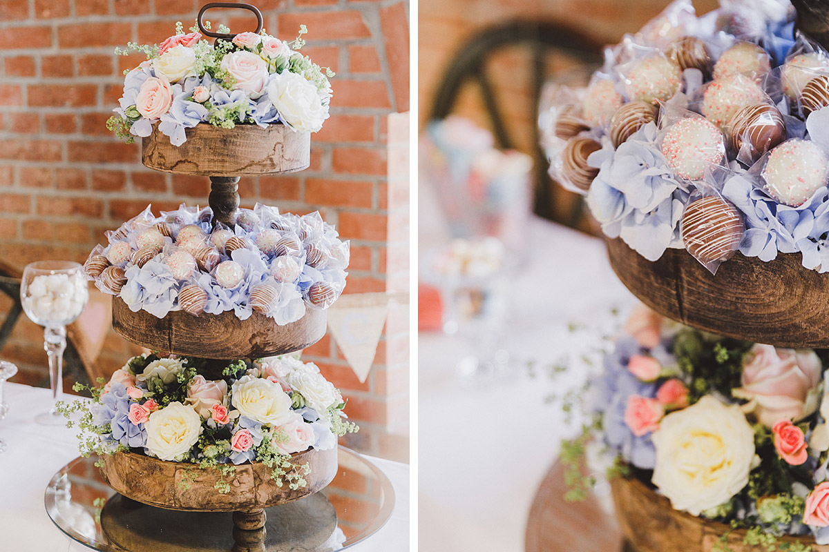 Cakepops bei Landhochzeit - Landgut Stober Hochzeitsfotograf © www.hochzeitslicht.de