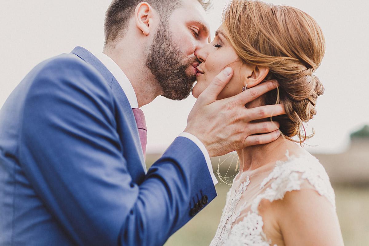 romantisches Brautpaarfoto - Landgut Stober Hochzeitsfotograf © www.hochzeitslicht.de