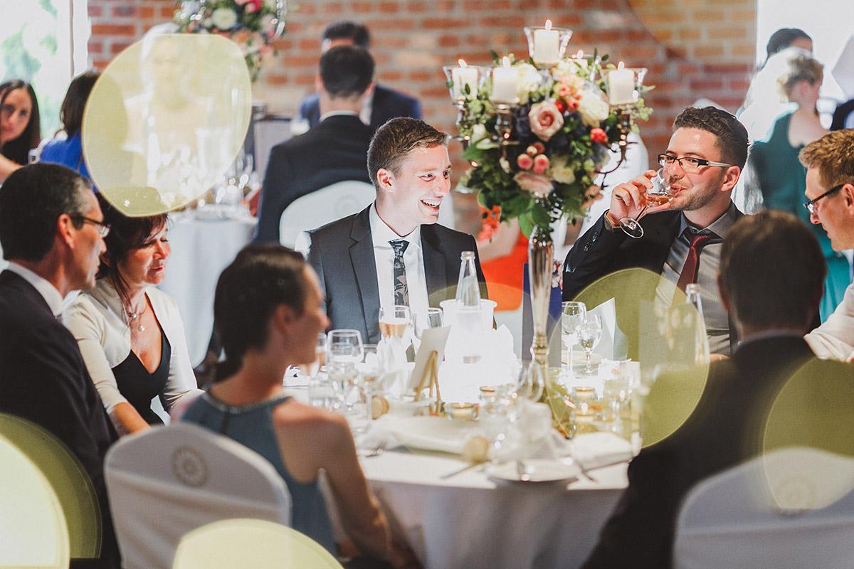 Hochzeitsfeier - Landgut Stober Hochzeitsfotograf © www.hochzeitslicht.de