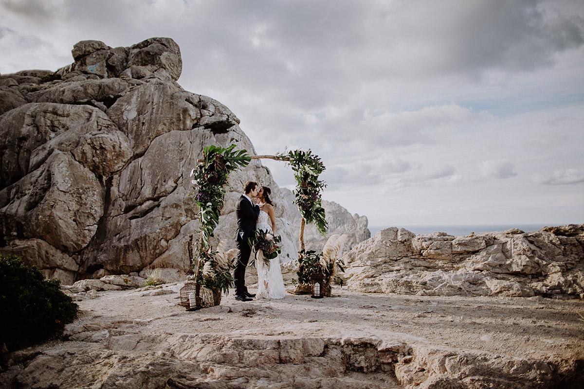 Brautpaarfoto bei Hochzeit zu zweit - Mallorca Hochzeitsfotograf © www.hochzeitslicht.de