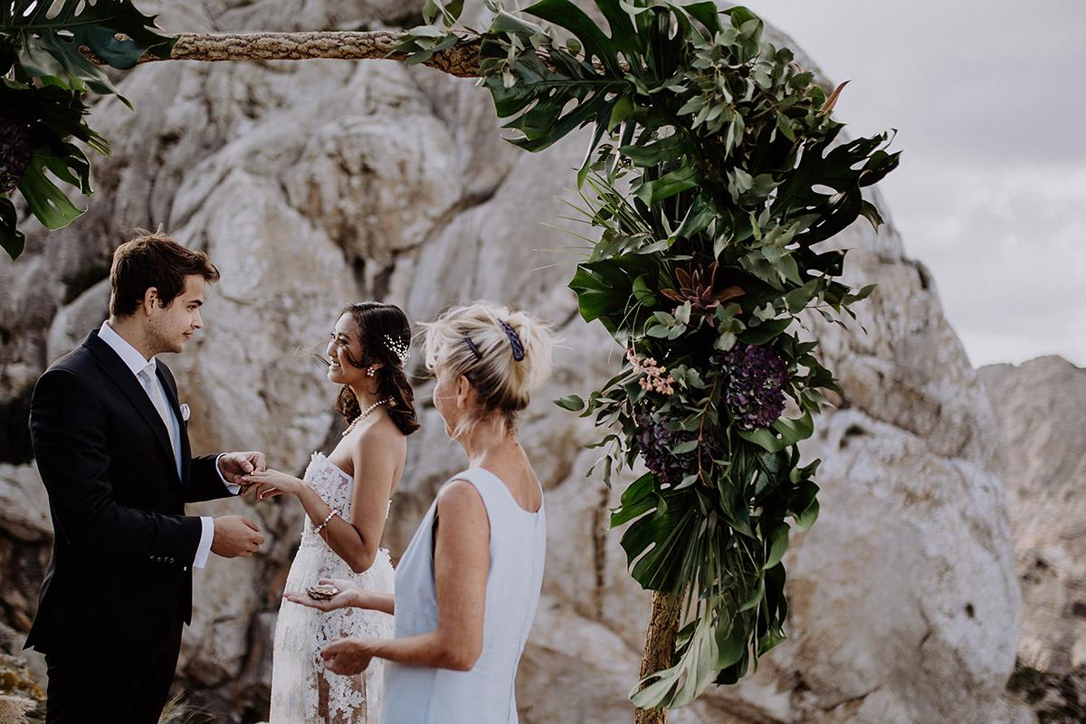 Elopement Shooting am Meer - Mallorca Hochzeitsfotograf © www.hochzeitslicht.de