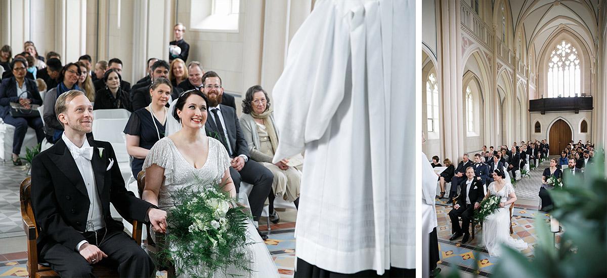 Hochzeitsreportage bei Trauung in entweihter Kirche - Schloss Kröchlendorff Hochzeitsfotograf © www.hochzeitslicht.de