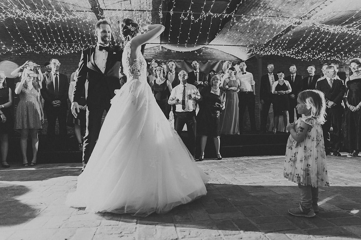 Eröffnungstanz von Brautpaar - Landgut Stober Hochzeitsfotograf © www.hochzeitslicht.de