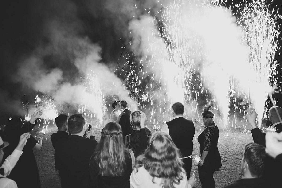 Feuerwerk bei Hochzeit - Schloss Kröchlendorff Hochzeitsfotograf © www.hochzeitslicht.de