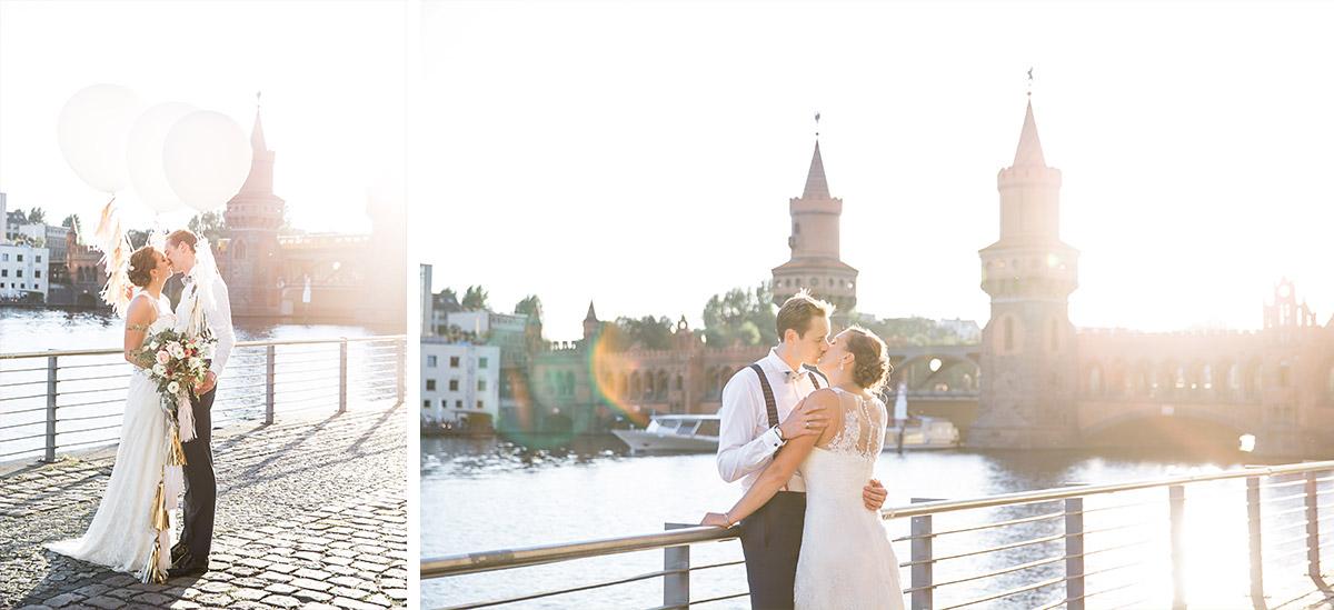 Brautpaarfotos zum Sonnenuntergang an Oberbaumbrücke Berlin Friedrichshain - Spreespeicher Hochzeitsfotograf © www.hochzeitslicht.de
