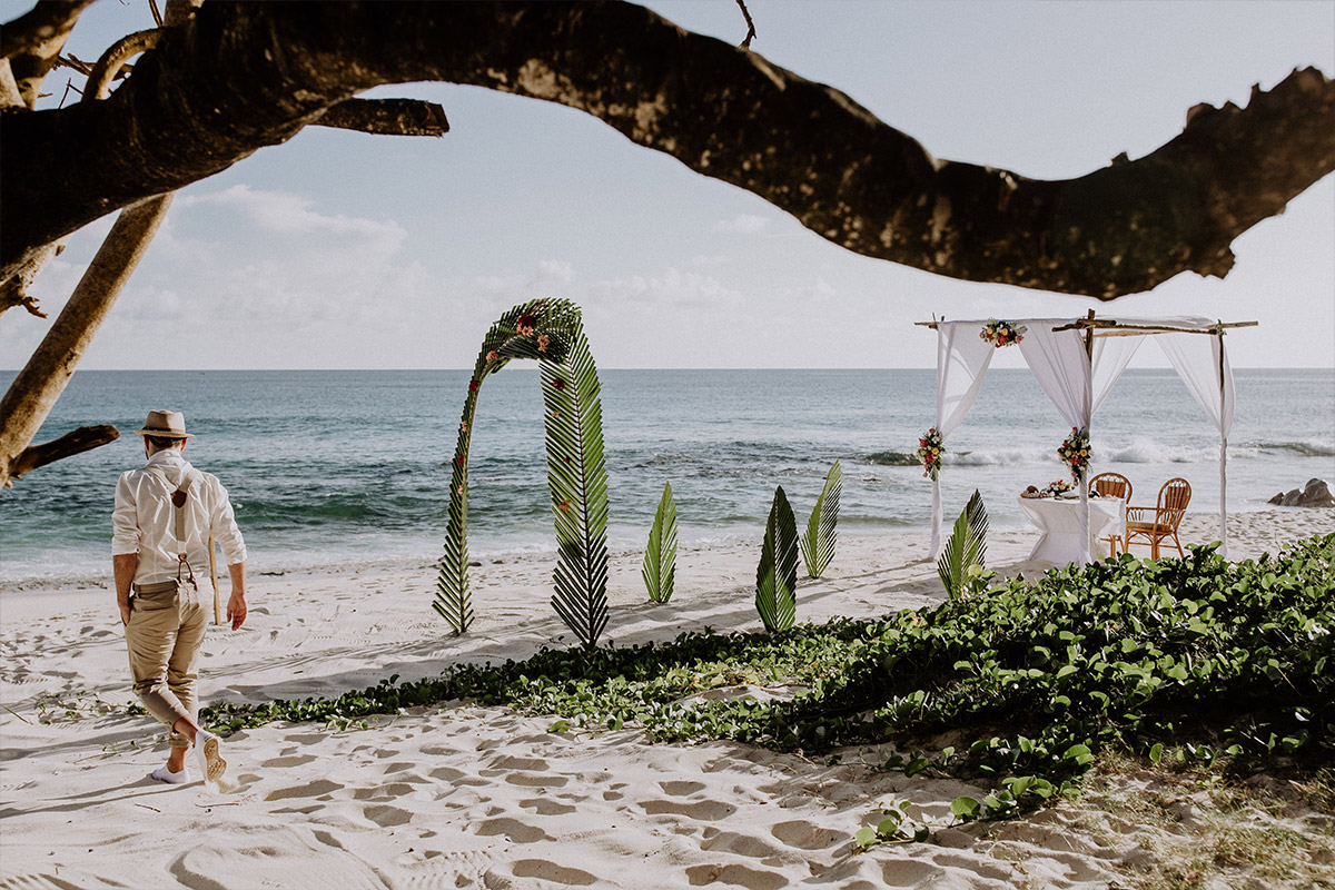 Trauung am Strand Elopement - Strandhochzeit Seychellen Hochzeitsfotograf © www.hochzeitslicht.de