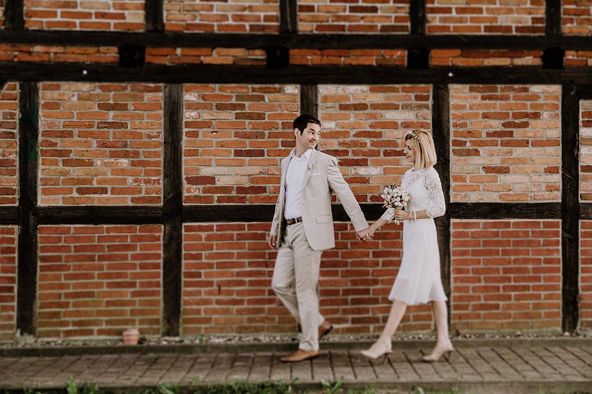 Brautpaarfoto bei Ostseehochzeit - Rügen Hochzeitsfotograf © www.hochzeitslicht.de
