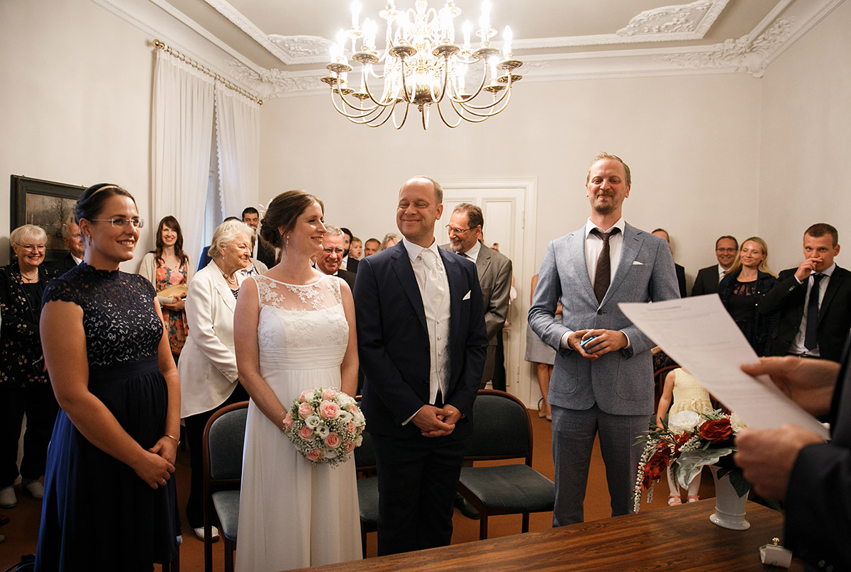 Hochzeitsreportage von standesamtlicher Hochzeit - Hochzeitsvilla Zehlendorf Hochzeitsfotograf © www.hochzeitslicht.de